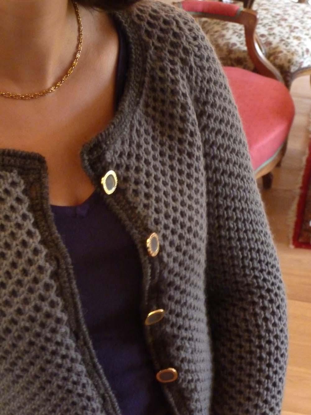 Je veux trouver un bon vêtement tricot femme de qualité et pas cher ICI  Gilet tricot chanel c552588169a